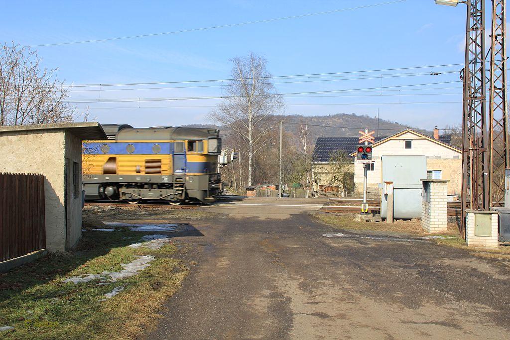 IMG_4355-Brozanky-Bahnuebergang.JPG