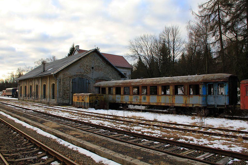 IMG_6378-ex-CSD-Schnellzugwagen.JPG