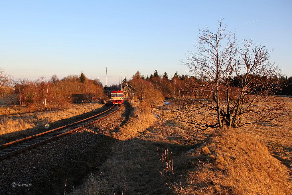 IMG_6483-Krimov-ausfahrender-Triebwagen-CD-810.JPG