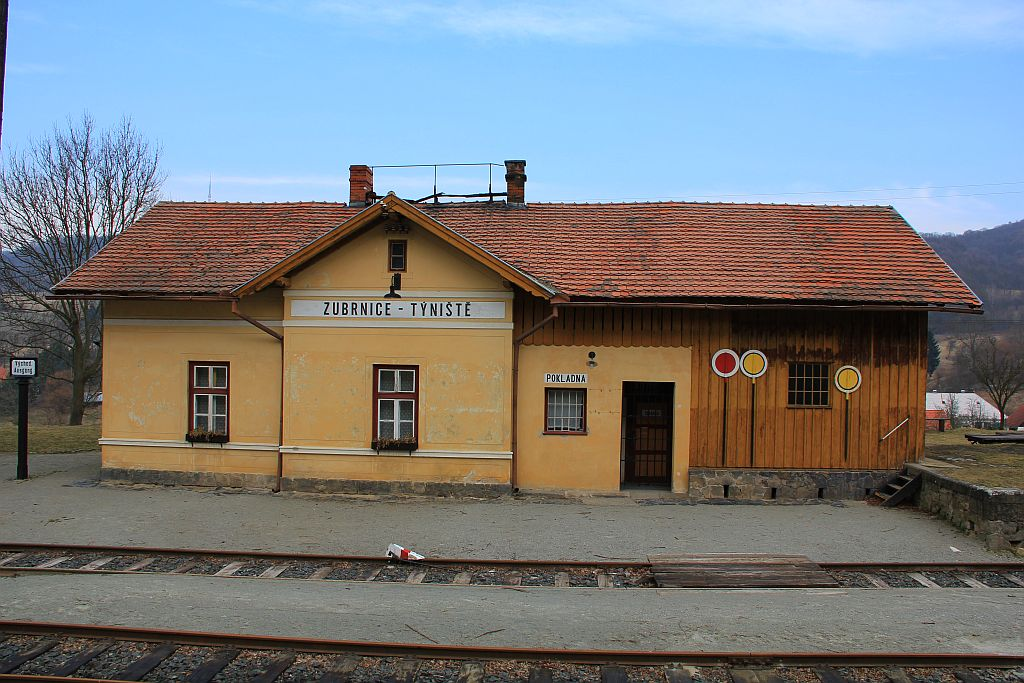IMG_7299-Zubrnice-Museumsbahnhof.JPG