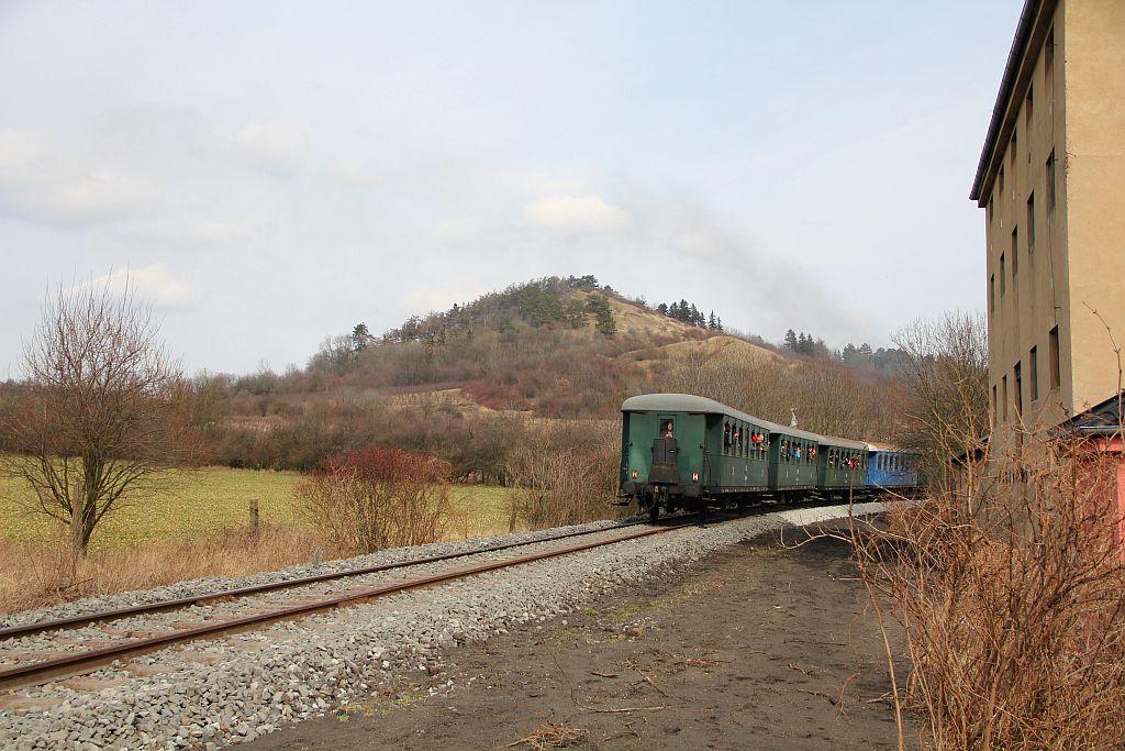 IMG_7696-Trebivlice-ausfahrender-Dampfsonderzug.JPG