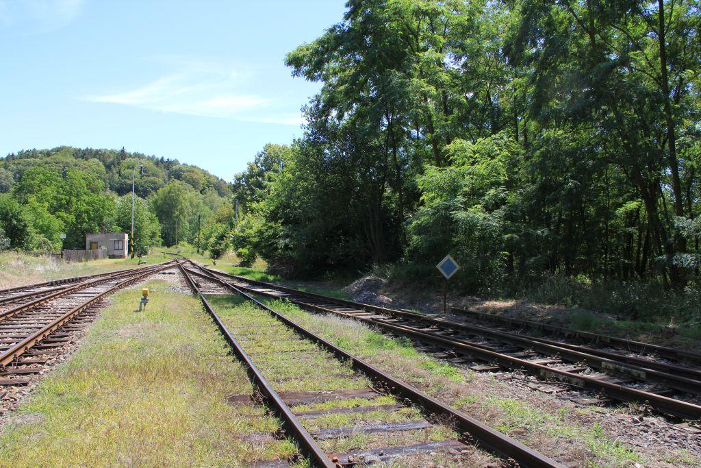 IMG_8861-Zst-Mutejovice-Abzweig-Anschlussbahn.JPG
