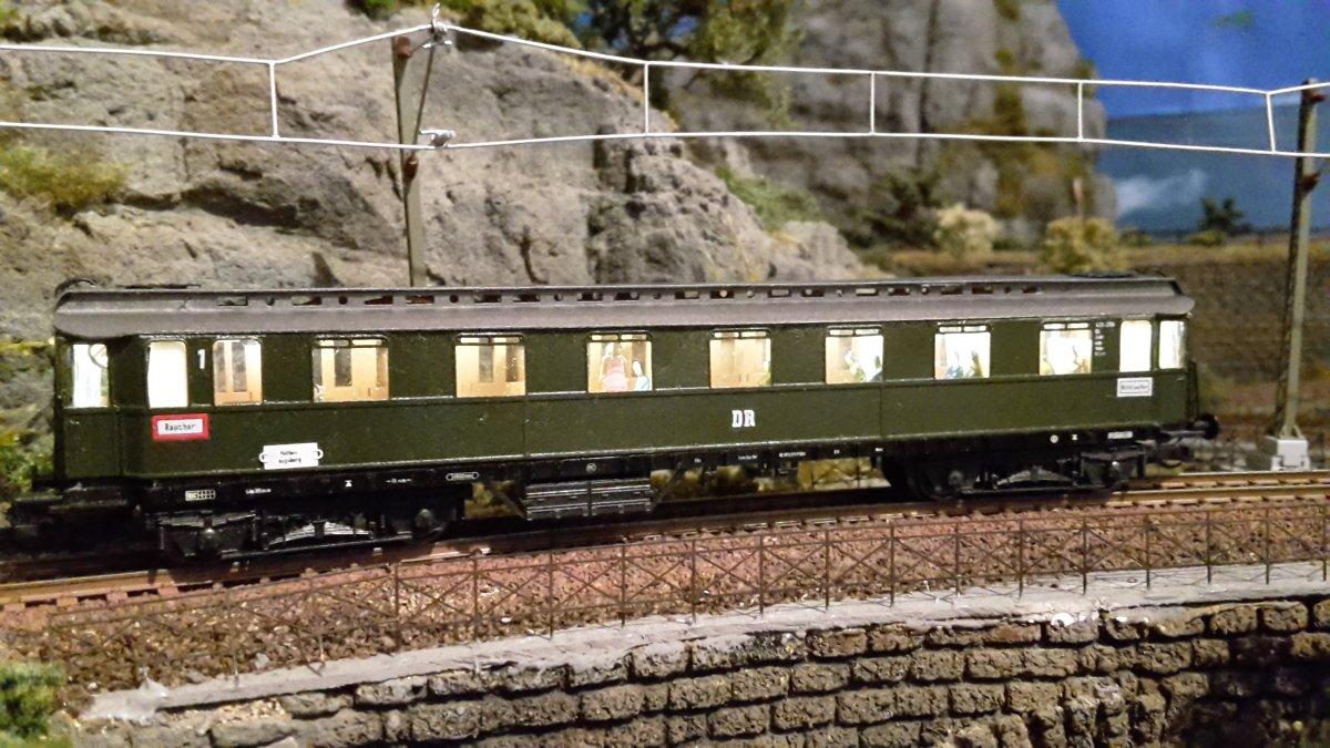 Oberlichteilzugwagen fertig (1).jpg