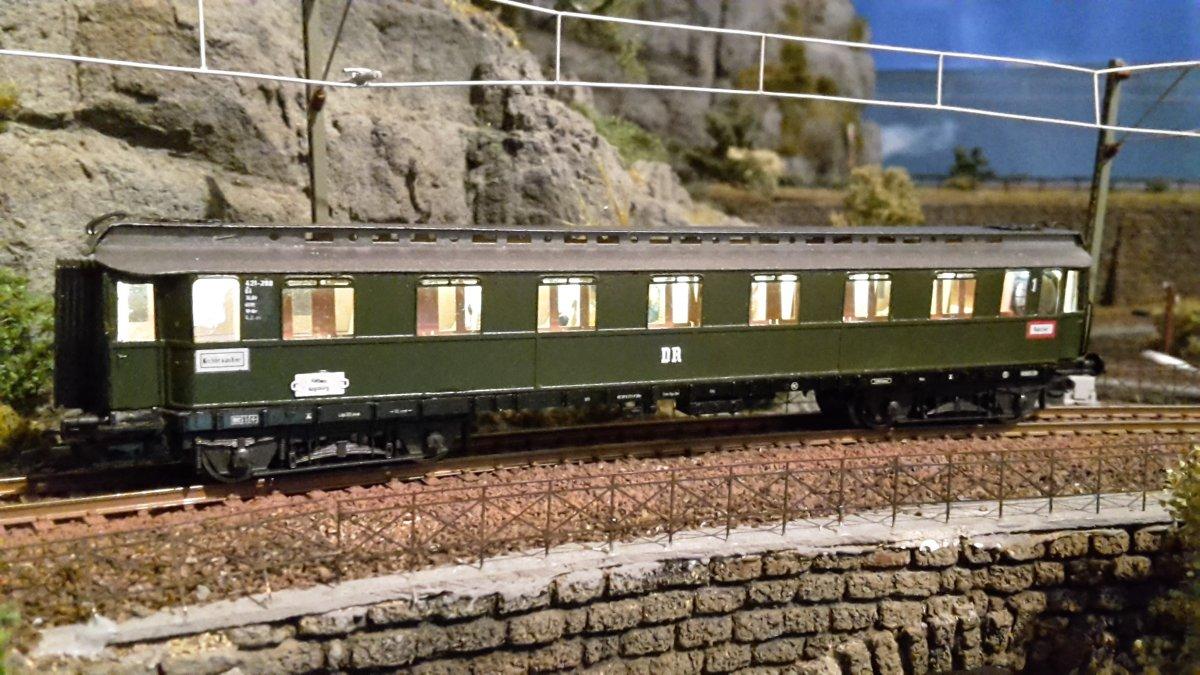 Oberlichteilzugwagen fertig (2).jpg