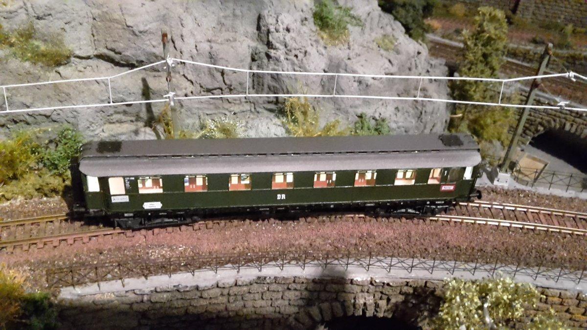 Oberlichteilzugwagen fertig (4).jpg